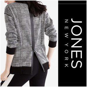 *JONES New York Back Zipper Sweater